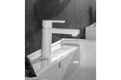 """URBAN Змішувач для умивальника білий: аератор """"plus"""" + керамічний картридж Ø25 мм, підключення 3/8"""" (100121304)"""