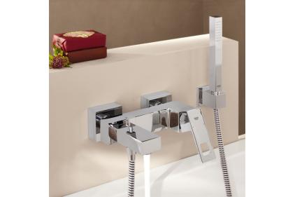 Змішувач EUROCUBE для ванни хромований: лійка + шланг + тримач (23141)